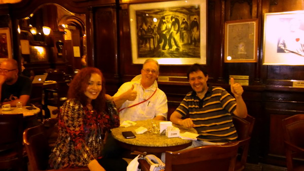 Buenos Aires private tour guide with the Milnes at Tortoni Cafe