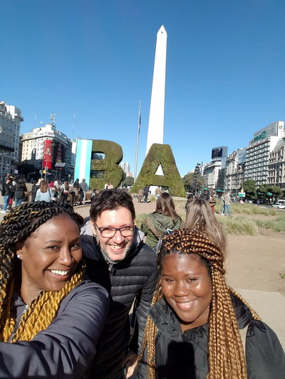 Local tour guide Buenos Aires here with my friends Karen and Jess from New York