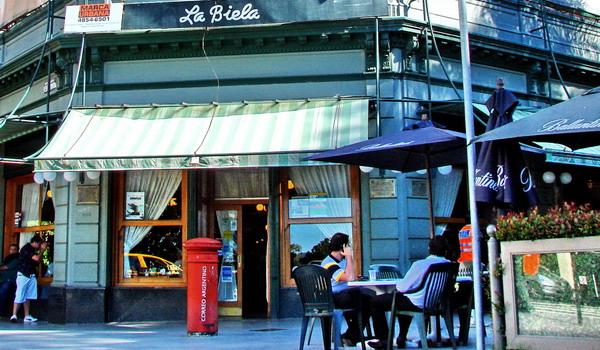Recoleta private tours Buenos Aires La Biela traditional café