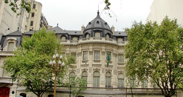 Recoleta private tours Buenos Aires palace of the area