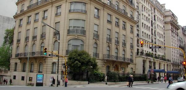 Recoleta private tours Buenos Aires typical corner of Recoleta