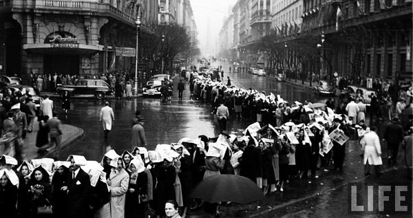 Evita Peron private tour Buenos Aires sad people doing the line for the last good bye in her funeral