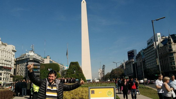 Pablo Piera private tour guide Buenos Aires at the Obelisk