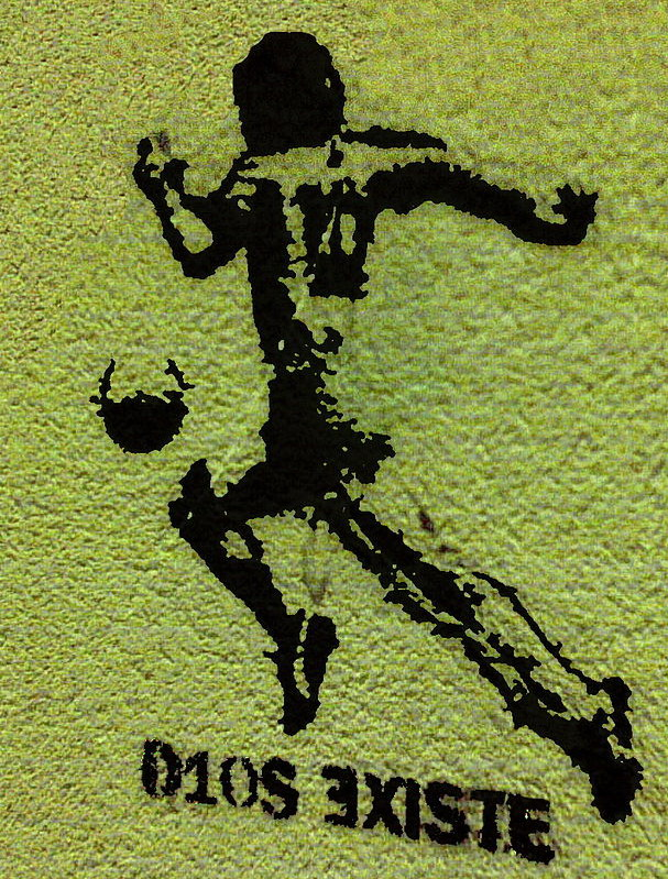 Private tour guide Buenos Aires graffiti about the Maradona as God