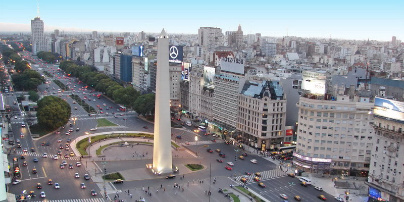Private tour guide Buenos Aires view of the Obelisk before the Metrobus